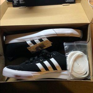 """Adidas Matchcourt RX MEN""""S Casual Shoes Size 9.5"""